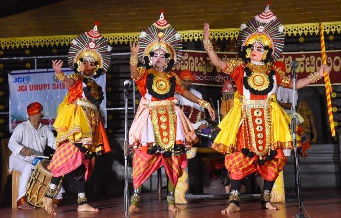 Let muktesaras run Yakshagana Mela: Karnataka HC | Deccan Herald