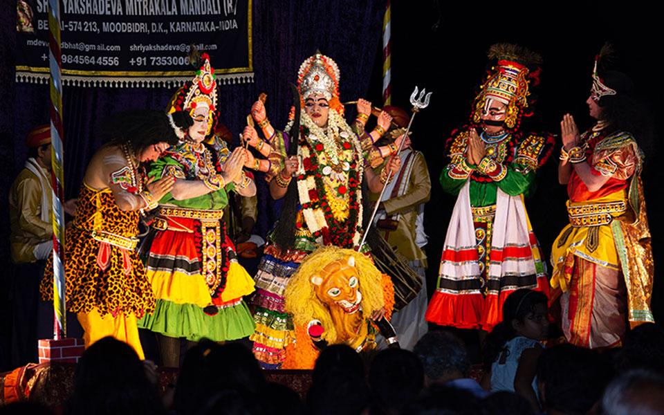 "Yakshagana Bayalata (Open-air Field Drama) ""Mahishasura Mardhini"" – A true  physical sensation!!"